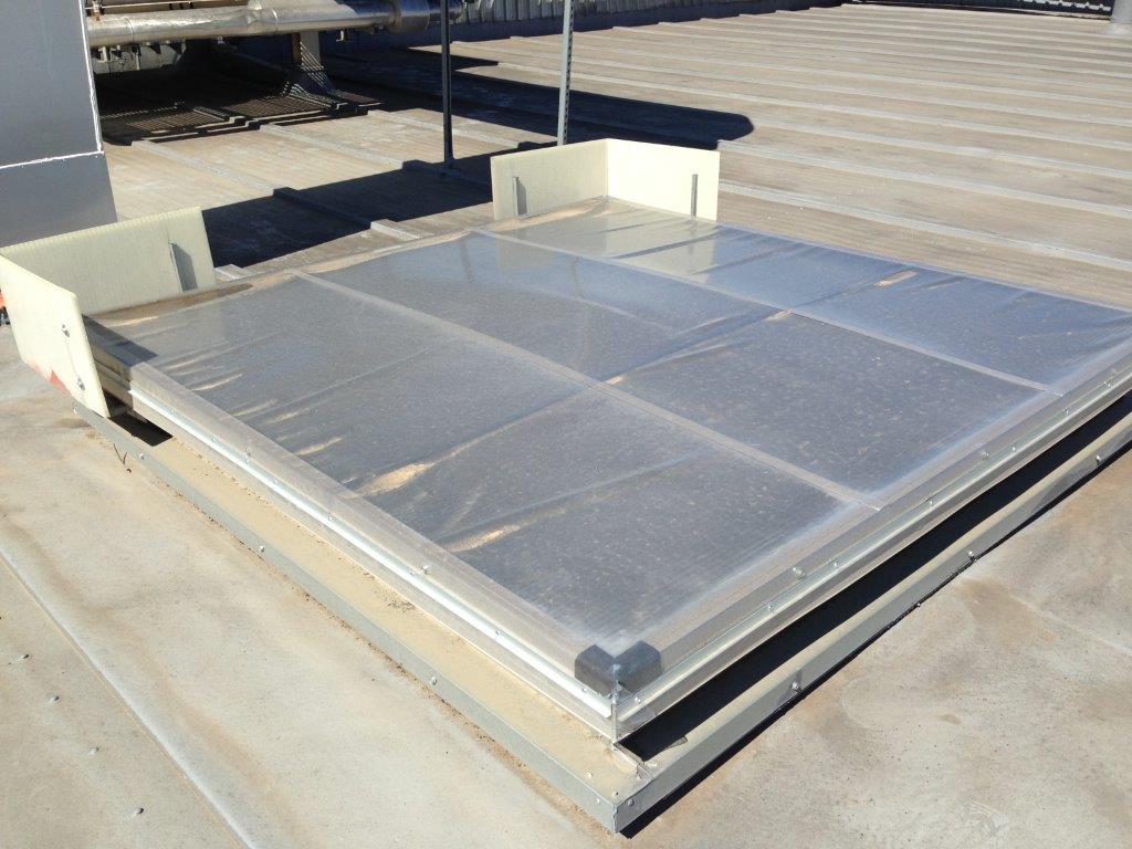 Estanqueidad en los exutorios y claraboyas es necesaria for Claraboyas para techos